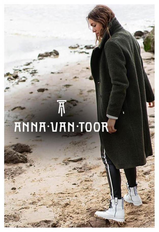 Winter Looks . Anna van Toor (2020-04-13-2020-04-13)